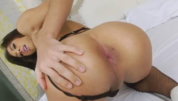 Video de sexo travesti comendo e dando cu